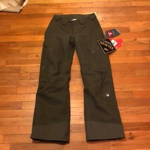 Ski/snowboard pants by Northface
